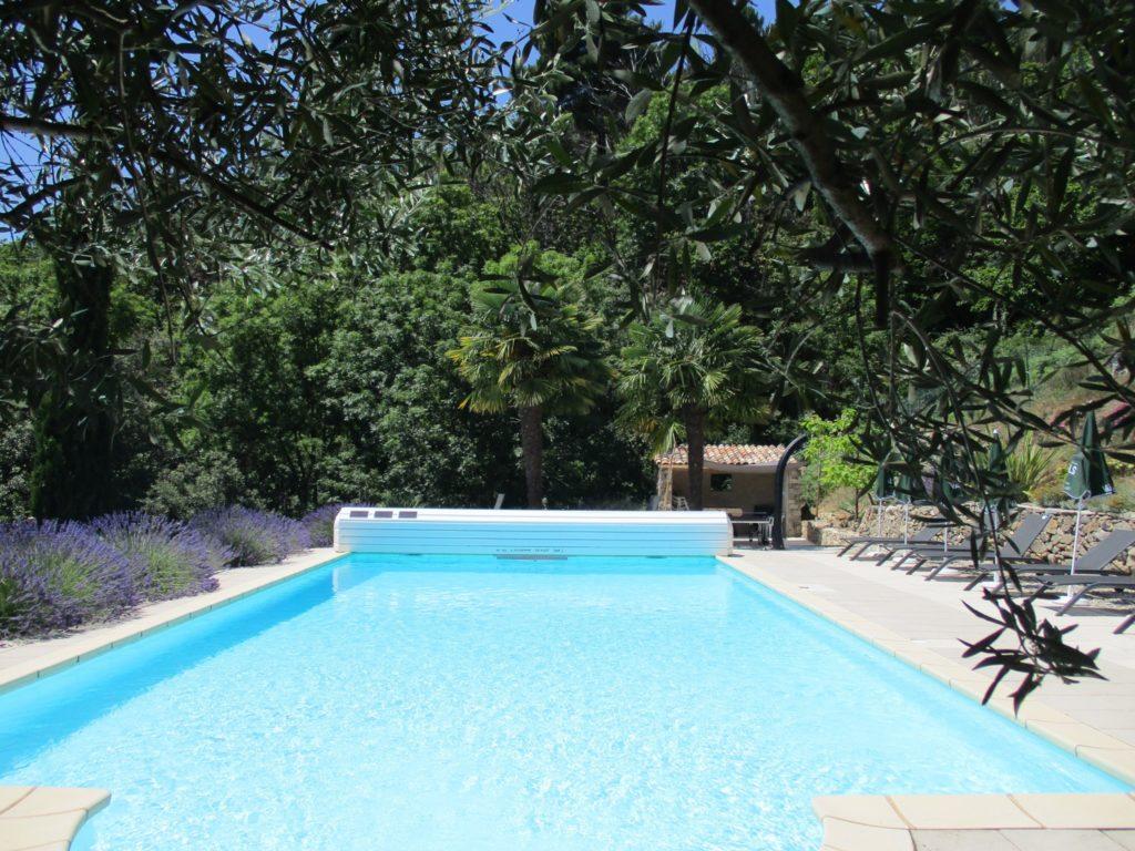 la piscine dans son environnement